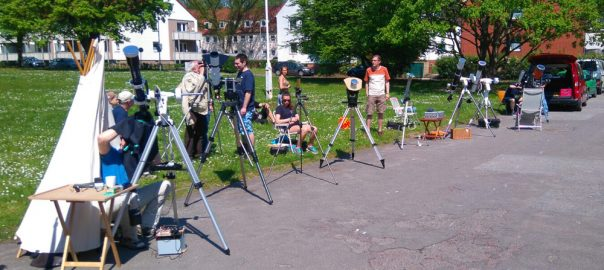 Fernrohr-Phalanx der Sternwarte Lübeck zur Beobachtung des Merkurtransits 2016 (Torsten Lohf)