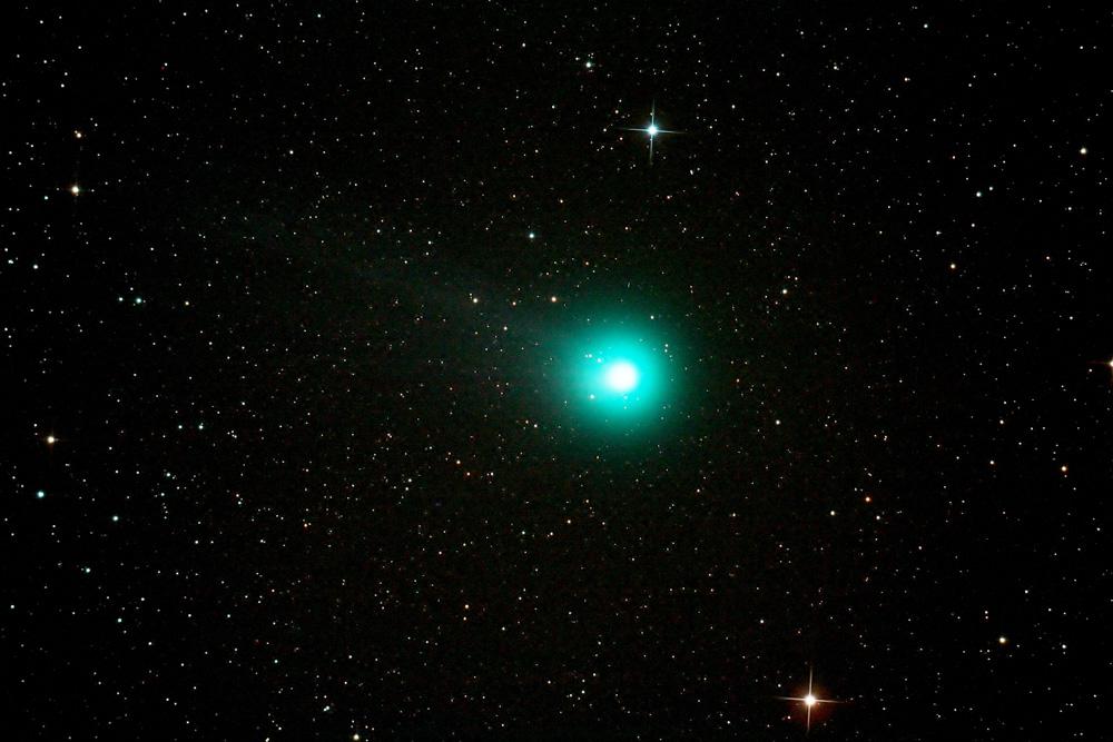 Detailaufnahme des Kometen Lovejoy C/2014 Q2. Der australische Amateurastronom Terry Lovejoy entdeckte den nach ihm benannten Kometen am 17. August 2014. Im Januar 2015 kam der Komet in Erdnähe und passierte den Sternhaufen der Plejaden (Oliver Paulien)