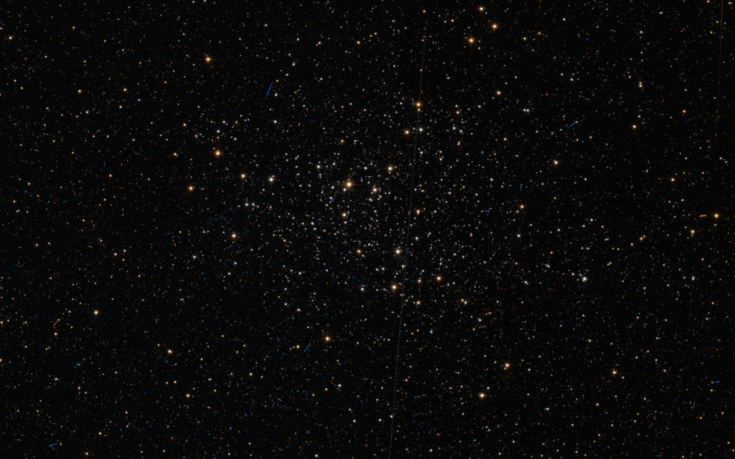 https://upload.wikimedia.org/wikipedia/commons/f/f3/NGC_2010_HST_9891_71_R814_G_B555.png